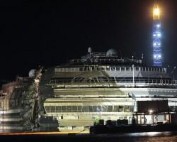 Die Aufrichtung der Costa Concordia – Galerie & Video