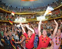 Auf den AIDA Schiffen jubeln die Gäste zum deutschen WM-Titel
